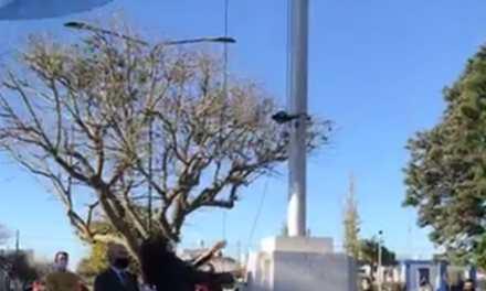 Izamiento de Bandera en Cabrera