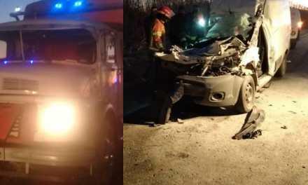 Accidente- camión de Cabrera impacta con un utilitario de Villa María.