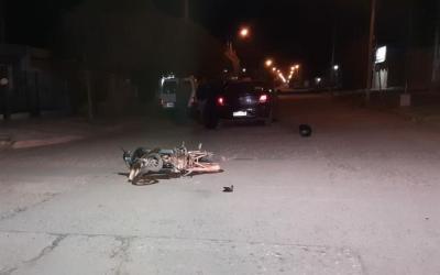 Cabrera: Accidente entre un remis y una motocicleta en la noche del Martes