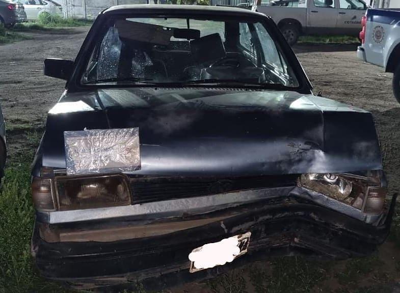 Conducía en estado de ebriedad e impactó contra un árbol