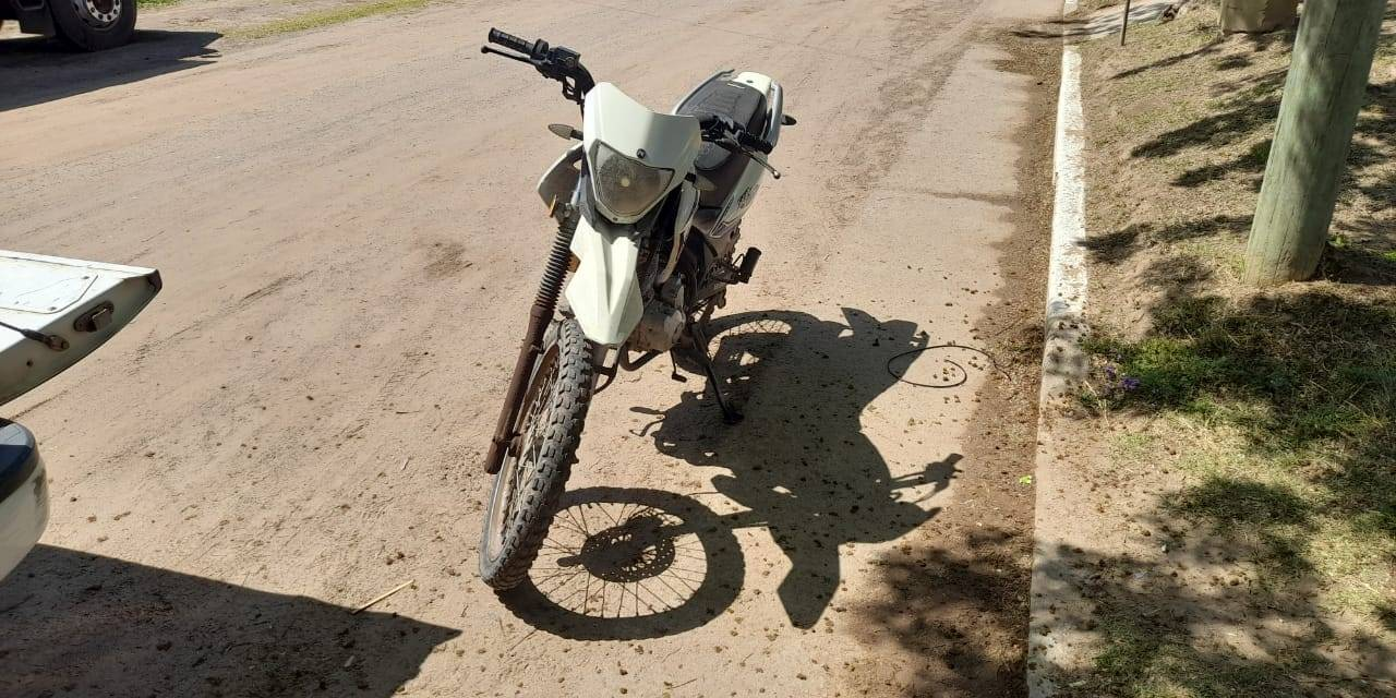 CARNERILLO: Secuestro de motocicleta sustraída