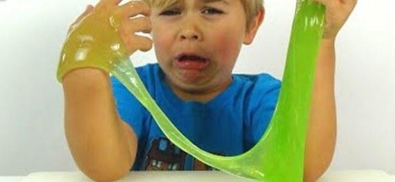 لعبة سلايم Slime وخطورتها على صحة الأطفال