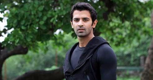 بارون سوبتي الممثل الشاب الهندي الملقب لدى العرب بـ ارناف