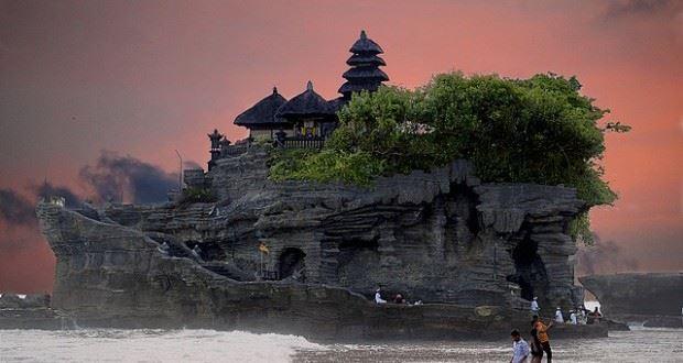 معبد اولواتو في بالي بدولة اندونسيا بالصور