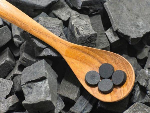 أثار حبوب الفحم الجانبية وأضراره