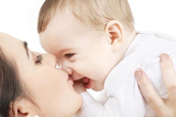 كيف تميز لون بشرة الطفل الابيض