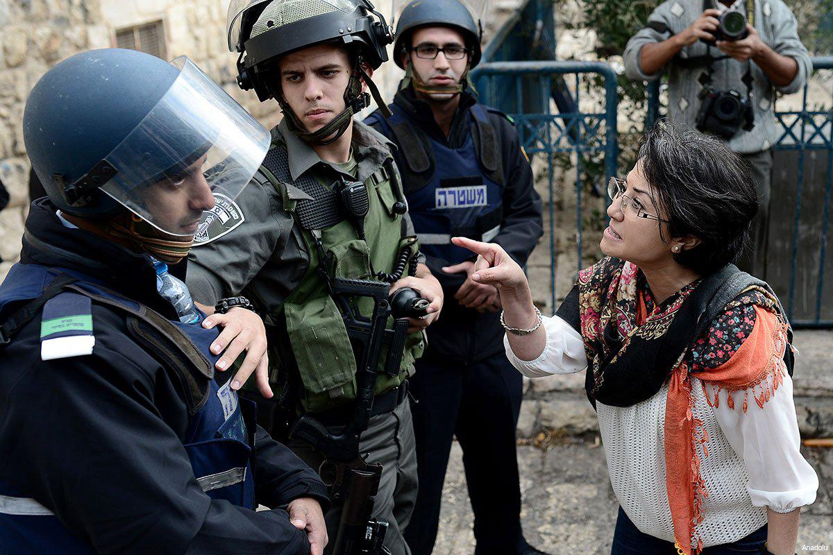 hanin-zoabi-4-barred-form-entering-al-aqsa-november-2014