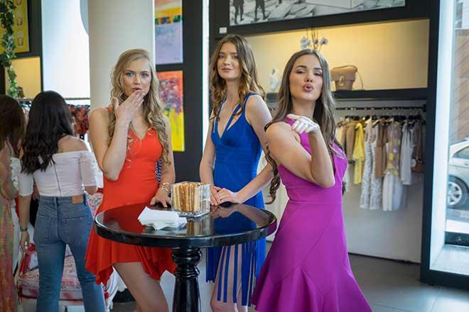 One Melrose et BCBG Maxazria célèbrent la rencontre de la mode et de l'art