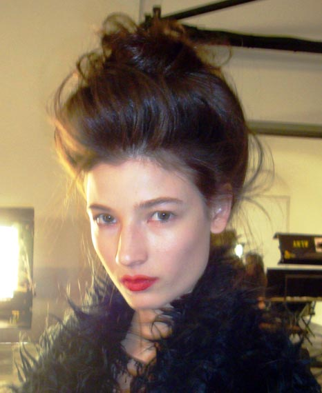 How To Get Runway Hairstyles Like The Modern Geisha Updo
