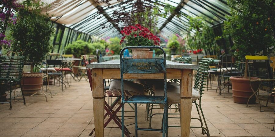 restaurant patio seating right how to