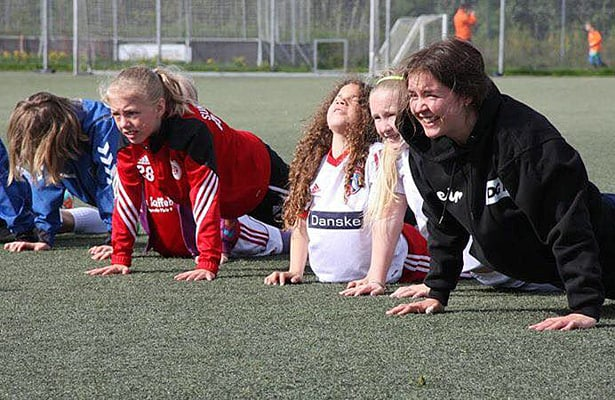 https://i2.wp.com/www.fodboldforpiger.dk/wp-content/uploads/2015/05/One-Touch-camp-6.jpg?w=740