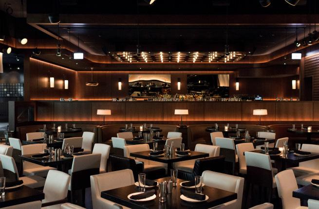 5 Chicago Restaurants That Will Transport You Around The