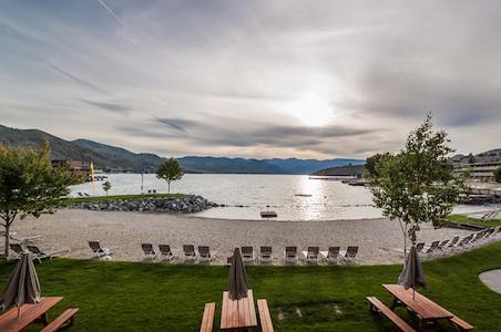 Lake-Chelan-Campbells-Resort.jpg