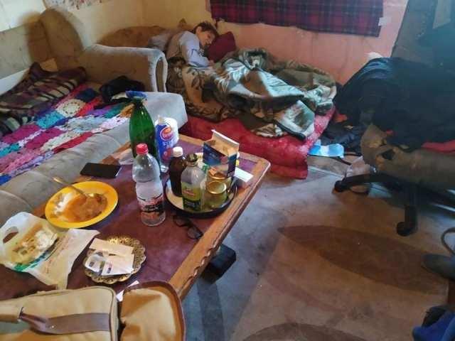 Fotografije kuće u kojoj živi bolesna samohrana majka s četvoricom sinova