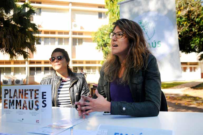 Carolina Lopes, uma das fundadoras do Emaús Sustentabilidade e Solidariedade: parceria para reativar biblioteca virtual