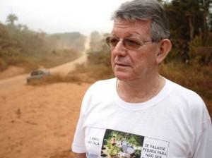 Dom Erwin Kräutler sugere que homens casados sejam ordenados padres. Medida seria solução para a carência de padres na região Xingu. (Foto: Christoph Wider)