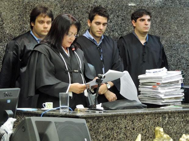 Sentença foi lida pela juíza Maria Segunda Gomes de Lima, que presidiu o júri popular no Fórum de Olinda (Foto: Anna Tiago/G1)