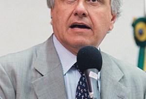 Senador Ronaldo Caiado é contra fusão do DEM com o PTB