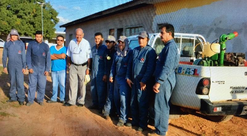Prefeito em Exercício Joviano de Almeida com os Agentes de  Vigilância Sanitária.(Foto-WatsApp)