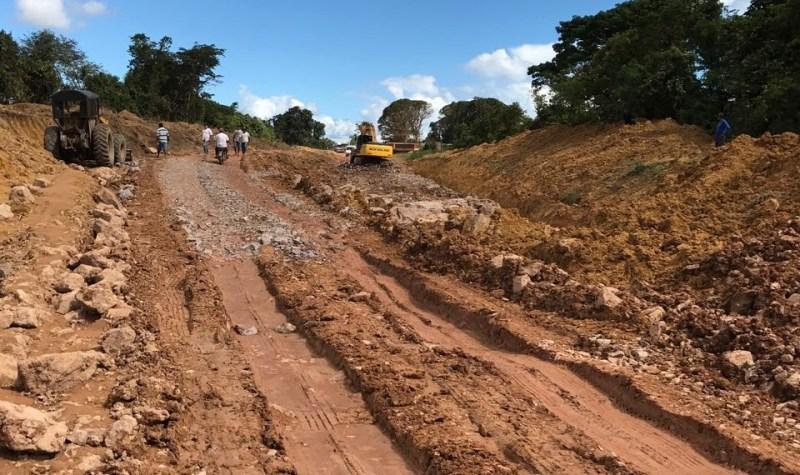 DNIT trabalha na recuperação da rodovia BR-163