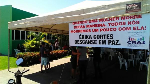 Corpo de estudante é velado em Câmara de Vereadores (Foto: Ivan de Jesus/Centro América FM)
