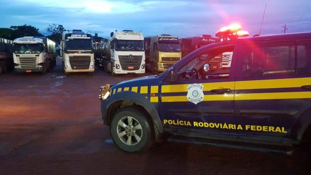 Caminhões aguardam no MT para seguir viagem ao PA(Foto:PRF)