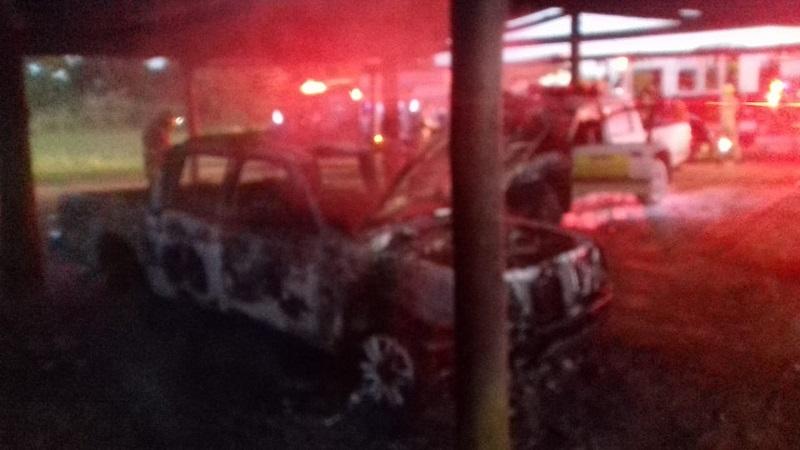 Carro do Ibama ficou destruído após pegar fogo na sede do órgão, em Brasília — Foto: CBMDF/Divulgação