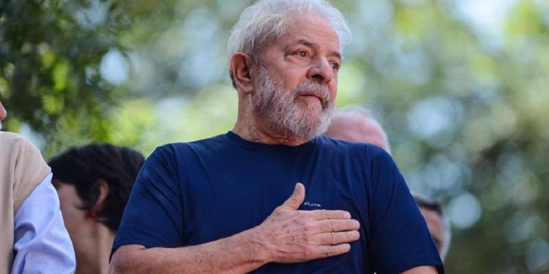 Lula-participa-de-missa-para-Marisa