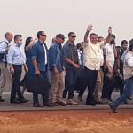 Presidente Jair Bolsonaro chega a Sinop e cumprimenta apoiadores