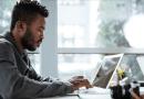 Capacitações online e gratuitas estão disponíveis para quem está em busca de emprego
