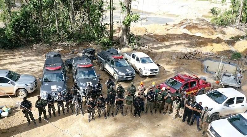 Foto: Ascom / SEMAS] Em seis meses, a Operação Amazônia Viva embargou 133.348,03 hectares e confiscou 6.000 m³ de madeira, entre outros resultados