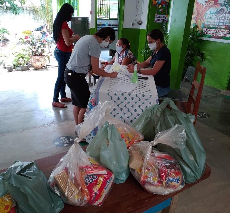 Kits distribuídos nas escolas  (Foto:Divulgação SEMED)