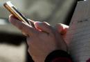 Bloqueada nas redes sociais, jovem usa Pix para falar com o ex-namorado