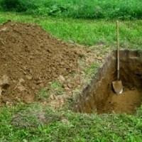 Suspeito é preso enquanto cavava cova da vítima