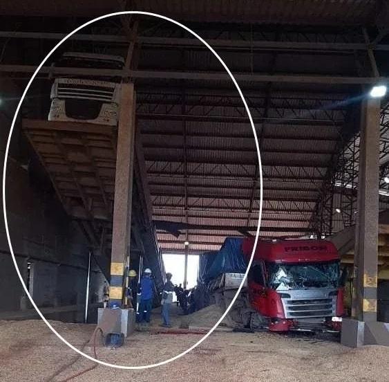 O tombador fica ao lado direito do que despencou na quarta-feira(17) passada. (Foto:Reprodução)_
