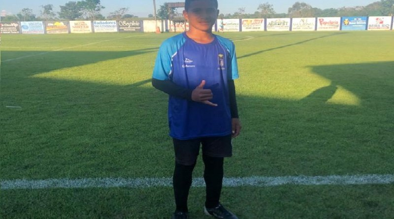 Garoto de Novo Progresso de 12 anos encara 44h e 3079 Km para fazer teste no futebol de SC