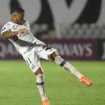 Santos atropela o The Strongest na Vila e respira na Libertadores