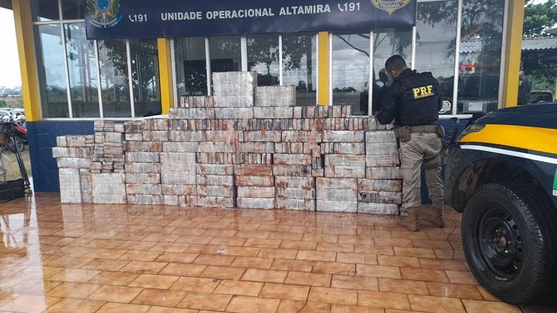 Policiais apreendem uma tonelada de cocaína no sudoeste do Pará. — Foto: Reprodução / PRF