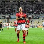 Flamengo bate o Grêmio com o apoio da torcida no Maracanã e avança na Copa do Brasil