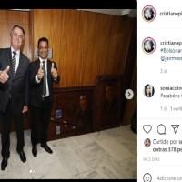 Bolsonaro ganha quadro de Artista Plástica de Novo Progresso