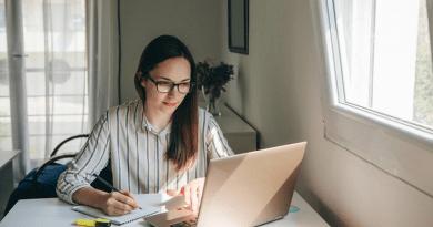 Hamburgueria seleciona universitários para programa de Trainee