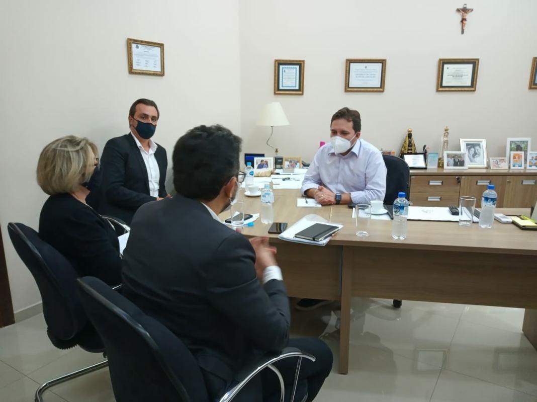 Prefeito de Ibaiti recebe Diretor Presidente da Fomento Paraná