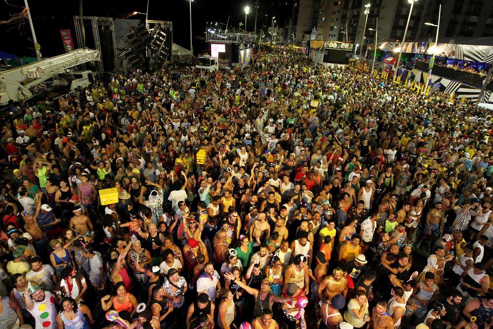 Domingo de Carnaval vem recheado de atrações para o folião pipoca