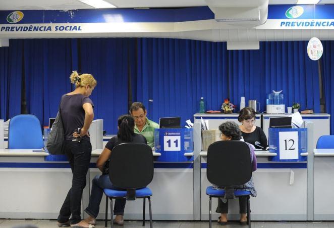 Desde janeiro de 2017, a Ouvidoria do INSS recebeu quase 130 mil reclamações sobre empréstimos consignados feitos sem autorização (Imagem: Fábio Rodrigues Pozzebom/Agência Brasil)