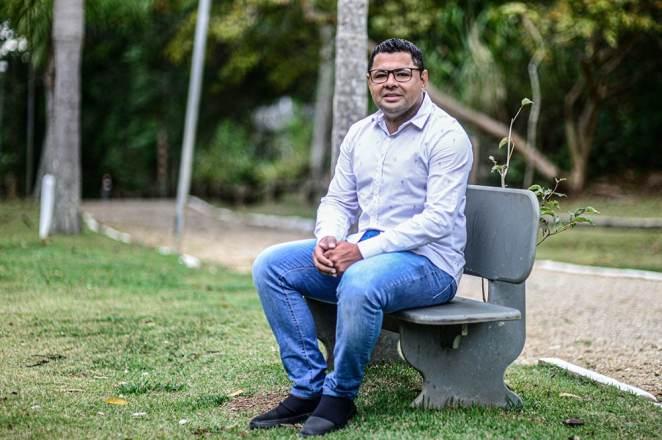 """""""O pior de tudo é a rejeição, que deixa sequelas morais e psicológicas"""", afirma Tiago (Foto: Eduardo Valente/iShoot)"""