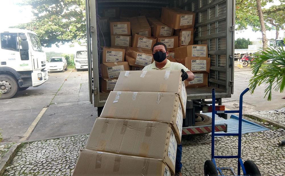 Governo da Bahia envia 473 mil máscaras para 50 municípios do interior