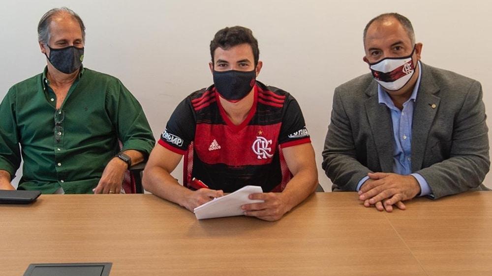 De olho no futuro, Flamengo renova com Daniel Cabral até 2025