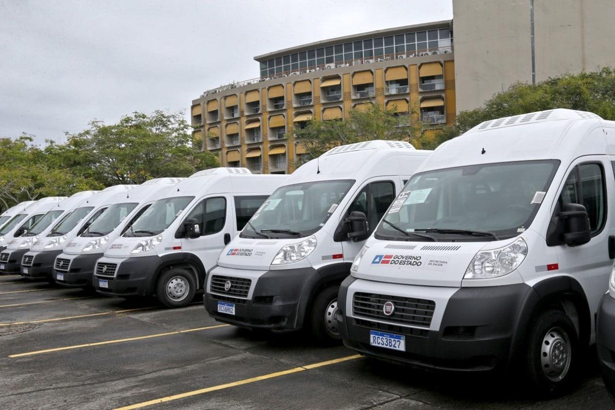 Governo da Bahia entrega 33 vans para atender 34 municípios de 13 Consórcios Interfederativos de Saúde