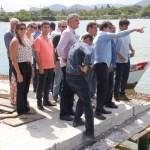 Governador do Estado e Prefeito de Guarapari visitam a obra de revitalização da orla do canal