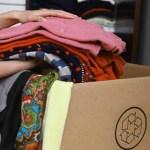 """""""Cabide não sente frio"""": campanha estimula doação de agasalhos"""